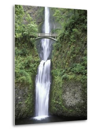 USA, Oregon, Columbia River Gorge Area, Scenic Waterfalls, Multonomah Falls-Chris Cheadle-Metal Print
