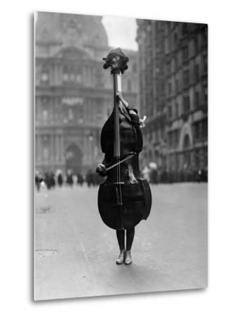 Walking Violin in Philadelphia Mummers' Parade, 1917-Bettmann-Metal Print