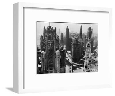 Chicago Skyscrapers in the Early 20th Century-Bettmann-Framed Premium Photographic Print