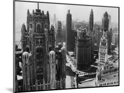 Chicago Skyscrapers in the Early 20th Century-Bettmann-Mounted Premium Photographic Print