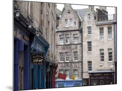Victoria Street, the Old Town, Edinburgh, Scotland, Uk-Amanda Hall-Mounted Photographic Print