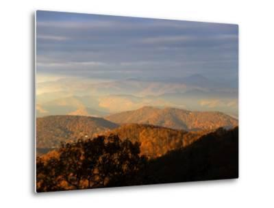 Early Morning Sunlight on the Mountain Tops-Amy & Al White & Petteway-Metal Print