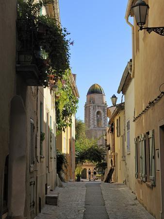 Narrow Back Street, St. Tropez, Var, Provence, Cote D'Azur, France, Europe-Peter Richardson-Framed Photographic Print