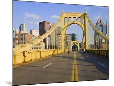 Roberto Clemente Bridge (6th Street Bridge) over the Allegheny River, Pittsburgh, Pennsylvania, Uni-Richard Cummins-Mounted Photographic Print
