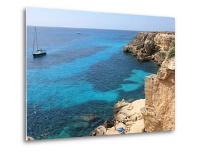 Cliff, Favignana, Sicily, Italy, Mediterranean, Europe-Vincenzo Lombardo-Metal Print