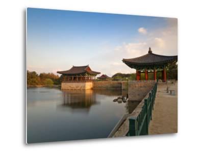 Korea, Gyeongsangbuk-Do, Gyeongju, Anapji Pond-Jane Sweeney-Metal Print