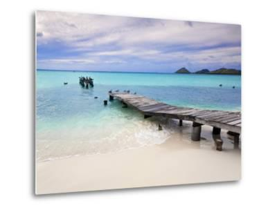 Venezuela, Archipelago Los Roques National Park, Pier on Madrisque Island-Jane Sweeney-Metal Print