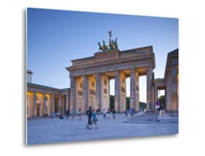 Brandenburg Gate, Pariser Platz, Berlin, Germany-Jon Arnold-Metal Print