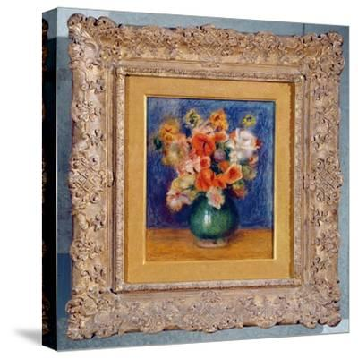 Bouquet, c.1900-Pierre-Auguste Renoir-Stretched Canvas Print