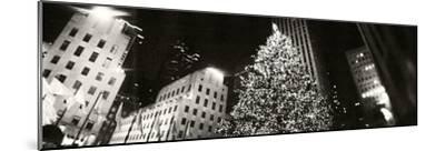 Christmas Tree Lit Up at Night, Rockefeller Center, Manhattan, New York City, New York State, USA--Mounted Photographic Print