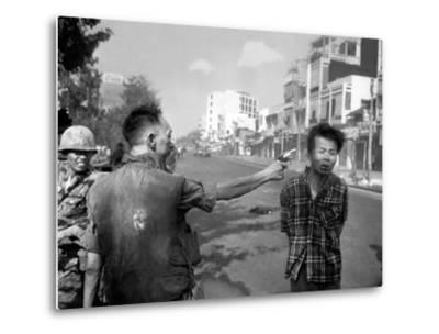 Vietnam War Saigon Execution-Eddie Adams-Metal Print