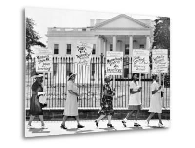 Parade Past the White House--Metal Print