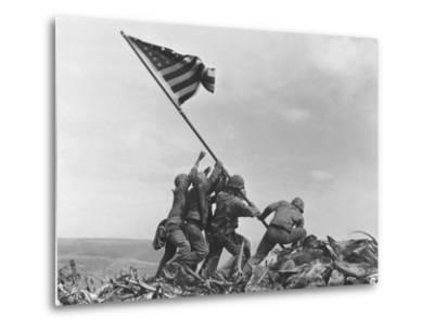 Iwo Jima Flag Raising-Joe Rosenthal-Metal Print