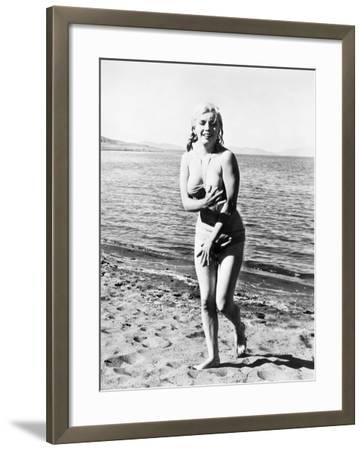 Marilyn Monroe (1926-1962)--Framed Giclee Print