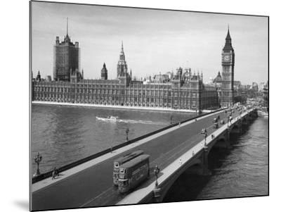London: Parliament--Mounted Giclee Print