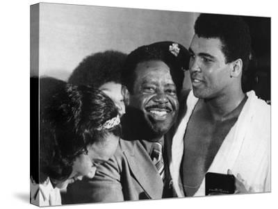 Muhammad Ali Appears with Civil Rights Activists, Ralph Abernathy and Coretta Scott King-Robert Johnson-Stretched Canvas Print