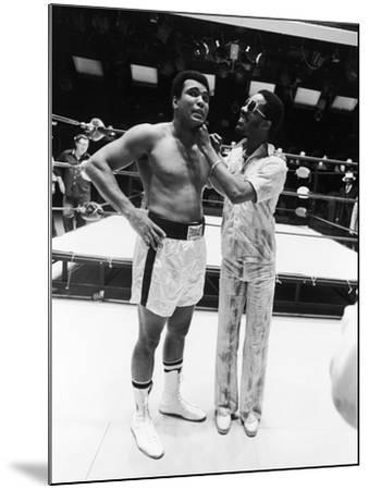 Muhammad Ali and Stevie Wonder - 1975-Isaac Sutton-Mounted Photographic Print
