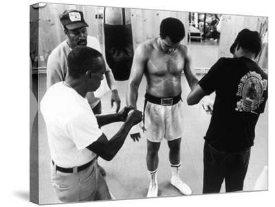Muhammad Ali; Drew Bundini Brown - 1978-Vandell Cobb-Stretched Canvas Print