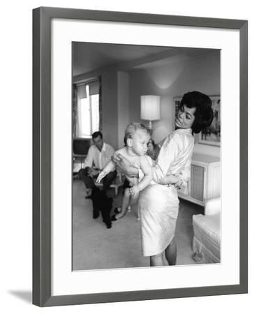 Eartha Kitt-Moneta Sleet Jr.-Framed Photographic Print
