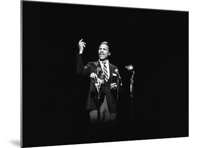 Billy Dee Wiliams - 1976-Norman Hunter-Mounted Photographic Print