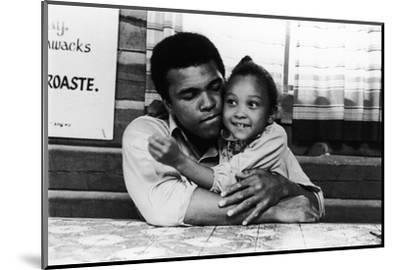 Muhammad Ali; Maryum Ali - 1974-Leroy Patton-Mounted Photographic Print
