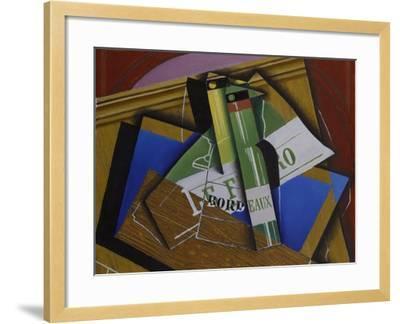 The Bordeaux Bottle, 1915-Juan Gris-Framed Giclee Print