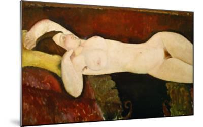 Akt Einer Schlafenden Frau (Le Grand Nu) 1917-Amedeo Modigliani-Mounted Giclee Print