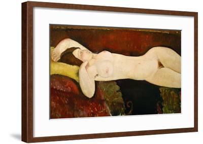 Akt Einer Schlafenden Frau (Le Grand Nu) 1917-Amedeo Modigliani-Framed Giclee Print