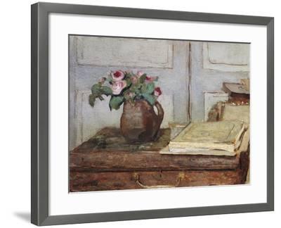 Stilleben Mit Dem Malkoffer Des Kuenstlers Und Einer Vase Mit Moosrosen--Framed Giclee Print