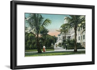 Palm Beach, Florida - Royal Poinciana Entrance and Grounds View-Lantern Press-Framed Art Print