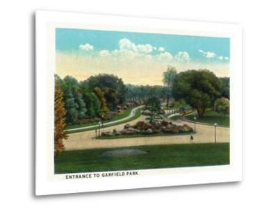 Cleveland, Ohio - Garfield Park Entrance-Lantern Press-Metal Print