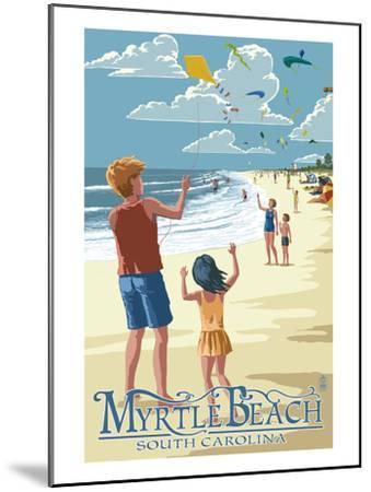 Kite Flyers - Myrtle Beach, South Carolina-Lantern Press-Mounted Art Print