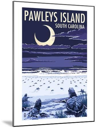 Pawleys Island, South Carolina - Baby Sea Turtles-Lantern Press-Mounted Art Print