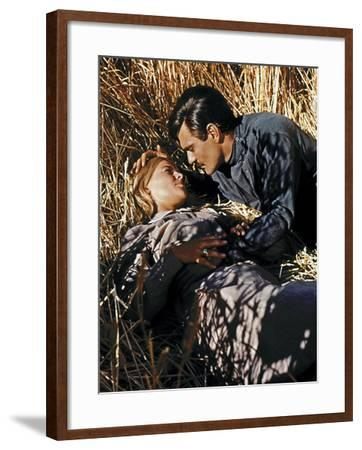 Doctor Zhivago, Julie Christie, Omar Sharif, 1965--Framed Photo
