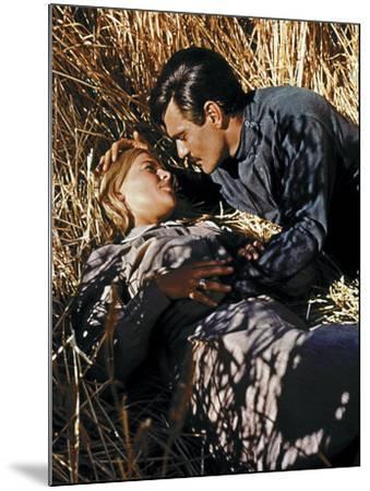 Doctor Zhivago, Julie Christie, Omar Sharif, 1965--Mounted Photo