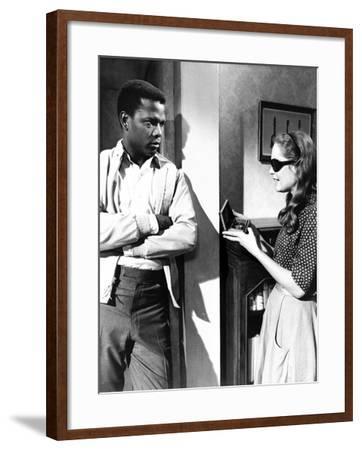 A Patch Of Blue, Sidney Poitier, Elizabeth Hartman, 1965--Framed Photo