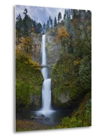 Multnomah Falls, Columbia Gorge, Oregon, USA-Gary Luhm-Metal Print