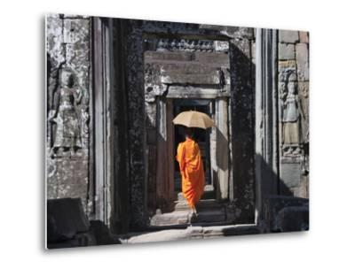 Monk with Buddhist Statues in Banteay Kdei, Cambodia-Keren Su-Metal Print