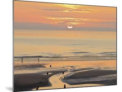 Sunset and Beach, Blackpool, England-Paul Thompson-Mounted Photographic Print