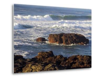 Incoming Tide at Yachats, Yachats, Oregon, USA-Michel Hersen-Metal Print