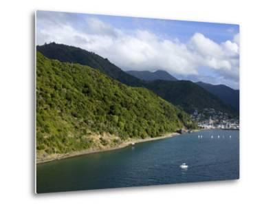 Queen Charlotte Sound, Picton, South Island, New Zealand, Pacific-Richard Cummins-Metal Print