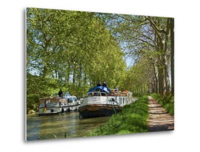 Navigation on Canal du Midi, UNESCO World Heritage Site, Languedoc Roussillon, France-Tuul-Metal Print
