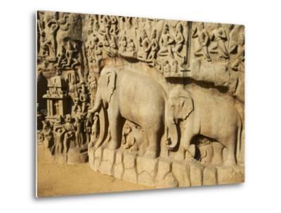 Arjuna's Penance Granite Carvings, Mamallapuram (Mahabalipuram), UNESCO World Heritage Site, India-Tuul-Metal Print