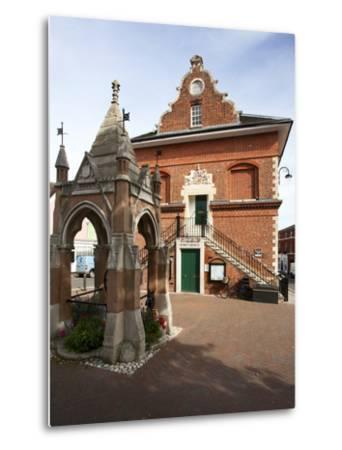 Market Cross and Shire Hall on Market Hill, Woodbridge, Suffolk, England, United Kingdom, Europe-Mark Sunderland-Metal Print