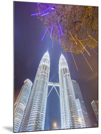 Low Angle View of the Petronas Twin Towers, Kuala Lumpur, Malaysia, Southeast Asia, Asia-Gavin Hellier-Mounted Photographic Print