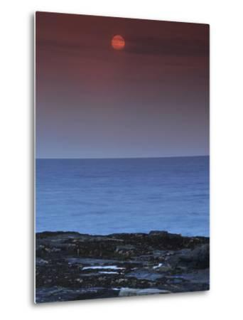 A View of the Atlantic Ocean from the Cape Elizabeth Lighthouse-Raul Touzon-Metal Print