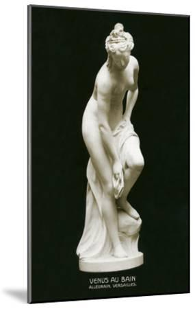 Venus Au Bain Statue--Mounted Art Print