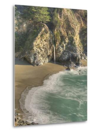 Mcway Falls at Julia Pfeiffer Burns State Park on the Big Sur Coast of California-Kyle Hammons-Metal Print