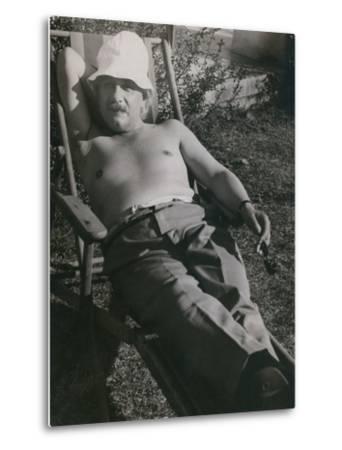Albert Einstein Sunbathing in 1932--Metal Print