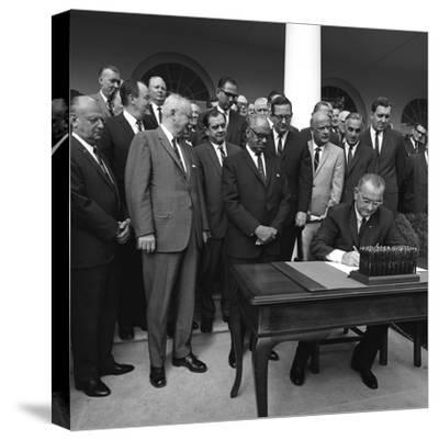 Lyndon Johnson Signing of Bill Establishing Dept. of Housing and Urban Development, 1965--Stretched Canvas Print